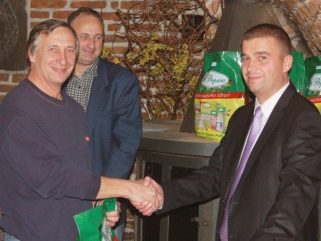 V chodovoplánské restauraci Ve Skále se konalo vyhodnocení podzimní části Tip ligy 2012.