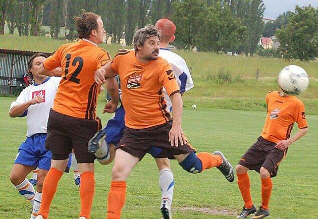Fotbalové utkání: Ch. Újezd - Sulislav.