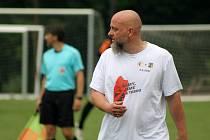 Lukáš Pleško na benefici fotbalem pro Jirku Šámala, který onemocněl zákeřnou ALS.