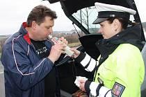 Mezi kontrolovanými řidiči byla také Zdeněk Vávra. Měl všechno v pořádku.