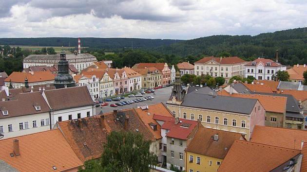 Děkanský kostel Všech svatých ve Stříbře má už opravenou věž