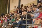 Mezinárodní turnaj fotbalových rozhodčích se hrál v tachovské sportovní hale.