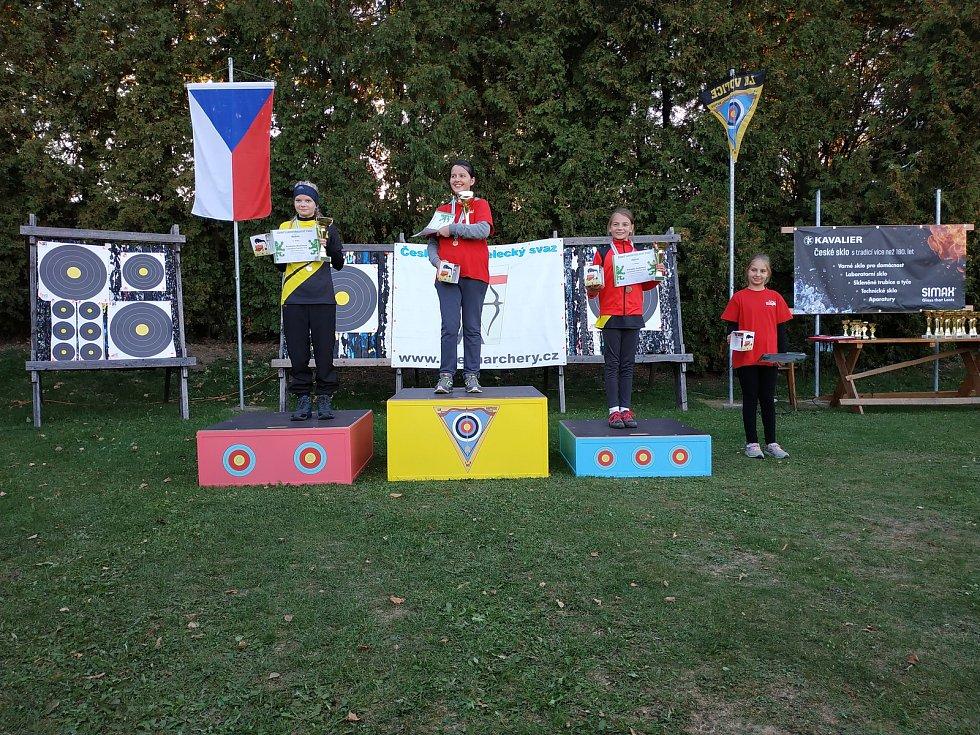 Lukostřelkyně z Tachovska ovládly Mistrovství České republiky žáků v terénní lukostřelbě.