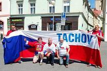 Tachovští hokejoví fandové odjeli v pátek do Bratislavy na zápas s domácími slováky.