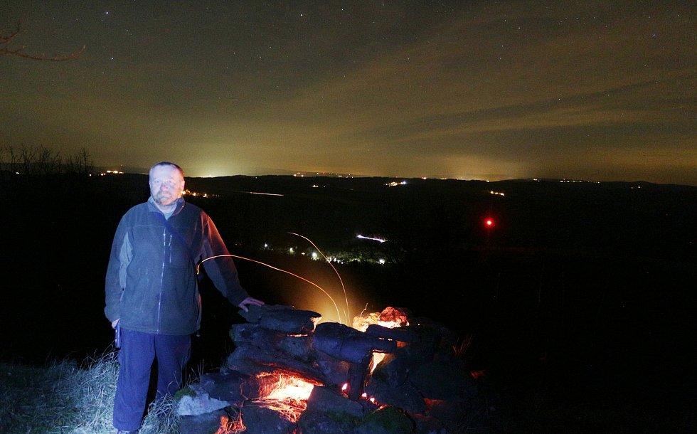 Keltský telegraf nad Černošínem na Vlčí hoře nasnímku z roku 2017