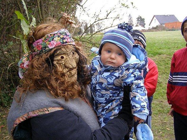 Tradiční pohádkový les pro děti i dospělé se konal v Kostelci