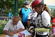 Zhruba šest desítek cyklistů se v sobotu sešlo v Lužné.