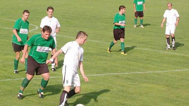 Fotbalová baráž o postup do přeboru kraje: TJ Rozvadov – S. Manětín 2:1 (0:1)