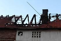 V Únehlích kompletně shořela stodola, škoda přesáhne milion.