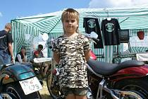 Sobotní motoparty na letišti Kříženec u Plané přilákala majitele motocyklů z celého kraje.