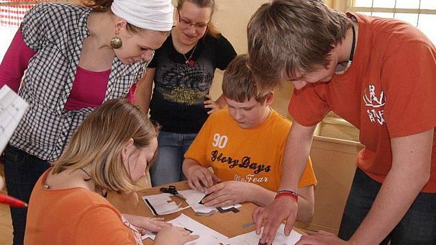 Žáci si zábavnou formou uvědomili možná rizika hazardu.