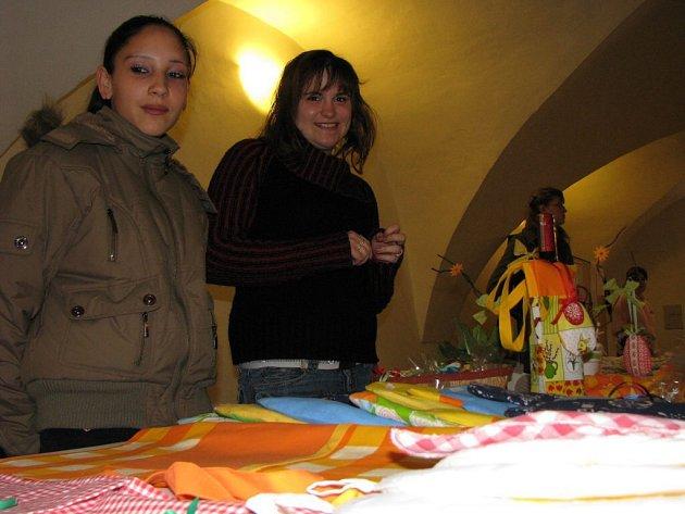 Žáci SOU v Plané prezentovali své výrobky na velikonoční prodejní výstavě