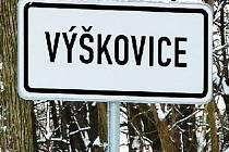 Silnice z Dolního Kramolína do Výškovic.