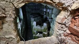 Objev na Tachovsku: podzemí zaniklé sklárny ukrývalo spletitý labyrint kanálů