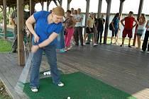 Golfový klub Alfrédov hostil třetí ročník turnaje neregistrovaných O putovní pohár starosty obce Kostelec v golfu.