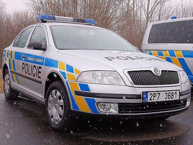 Nové vozy pro tachovskou policii.