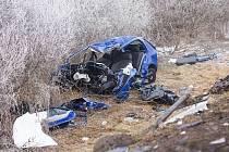 Čelní střet s kamionem posádka osobního automobilu nepřežila