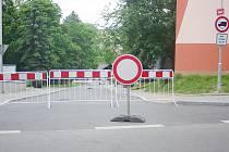 Ulice Sadová je opět uzavřena.
