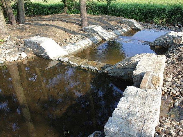 Studánka rekonstruovala obecní rybník.