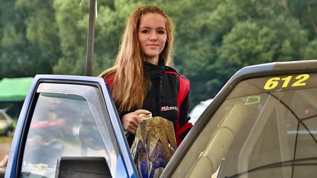 Jája Míková, tachovský rallycrossový talent. Foto: Michal Vostárek.