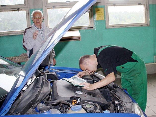 Uzavřením autoservisu v Oldřichovské ulici v Tachově přišla o část zákazníků i vedlejší stanice technické kontroly, která je umístěna ve stejném areálu.