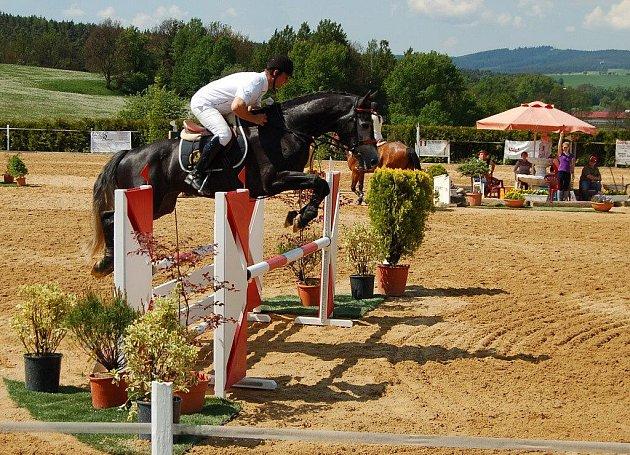 Dvaatřicátý ročník tradičních jezdeckých závodů se odehrál v areálu Centra sportovních koní v Oldřichově.