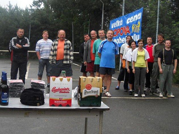 Popováci pořádali nohejbalový turnaj.