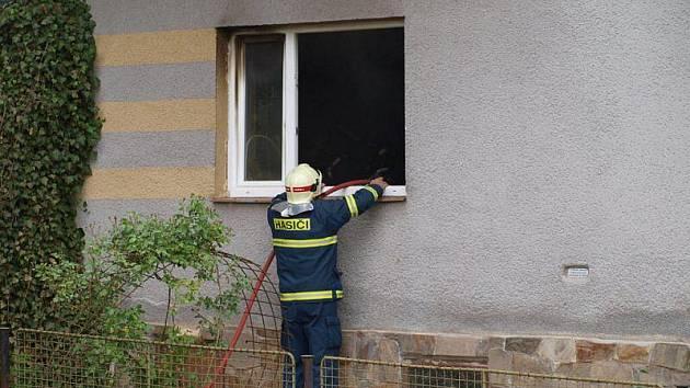 V Horní Vyšině hořela ložnice domu.