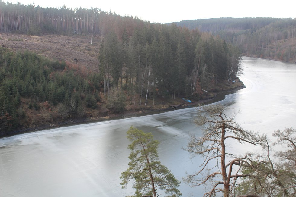 Pňovanský most na přelomu února a března.