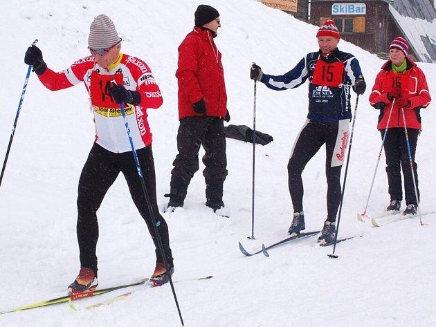 Ve Ski areálu Přimda se běžel lyžařský závod na 15 kilometrů klasickým způsobem.