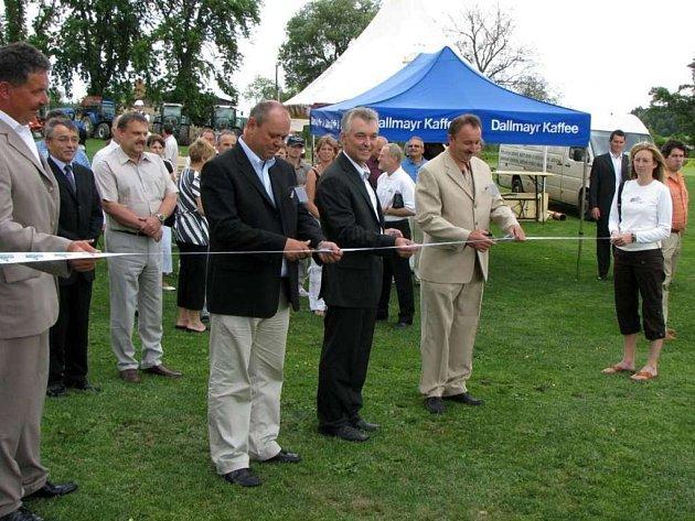 Golf club Alfrédov otevřel v pátek nové devítijamkové hřiště, čímž vznikl normovaný golfový areál s celkem osmnácti jamkami
