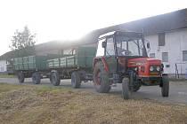První ročník jízdy zručnosti traktoristů se konal v Holostřevech