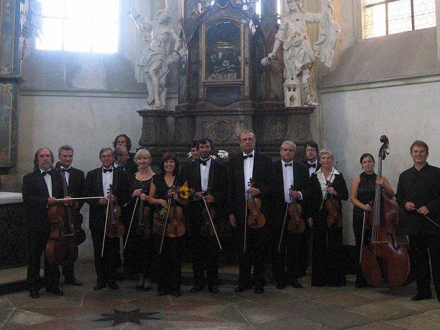 Hudební těleso Musici de Praga se svými sólisty vystoupilo v sobotu v kladrubském chrámu Nanebeveztí Panny Marie