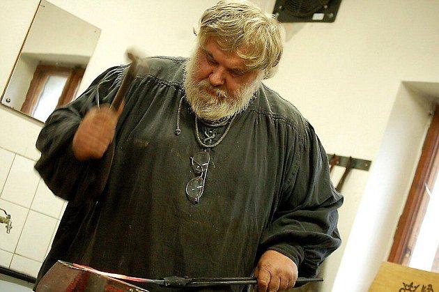 Setkání kovářů a zájemců o tradiční řemesla se uskutečnilo v Boru.