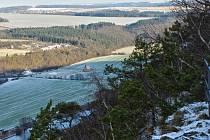 PEČUJÍ O KRÁSNOU PŘÍRODU. CHKO Český les má od letoška ve správě nové lokality. Odlezelské jezero a Chlumskou stráň.