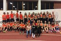 Veleúspěšná výprava mladých atletických nadějí Baníku Stříbro ve Stromovce čítala čtyřiatřicet členů a přivezla si celkem jedenadvacet medailí.