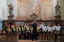 Česká píseň Plzeň v kostele sv. Petra a Pavla v Bernarticích