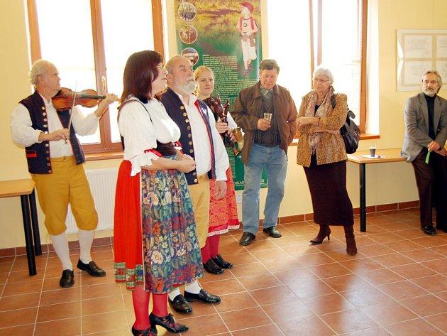 Spisovateli Vladimíru Páralovi se líbí především folklórní ráz Tachovska a Domažlicka.