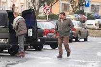 Parkování v Plané rozpoutalo na jednání zastupitelstva bouřlivou diskuzi
