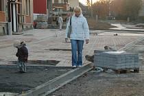 NA PŘÍPRAVU projektů, které mimo jiné zahrnují revitalizaci části měst a obcí, dostanou zájemci o dotace od regionální rady více času.