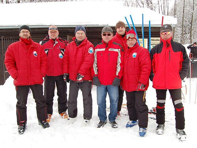 členové záchranné služby.