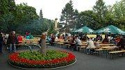 Chodské Svatojánské zámecké slavnosti a Mistrovství světa v koulení pivních sudů.