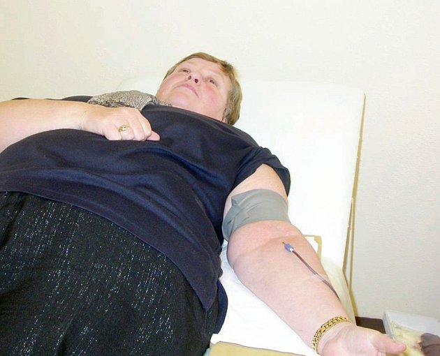 V úterý přišlo darovat krev bezmála čtyřicet dárců životodárné tekutiny. Přesto by oblastní spolek Českého červeného kříže nové dárce uvítal.