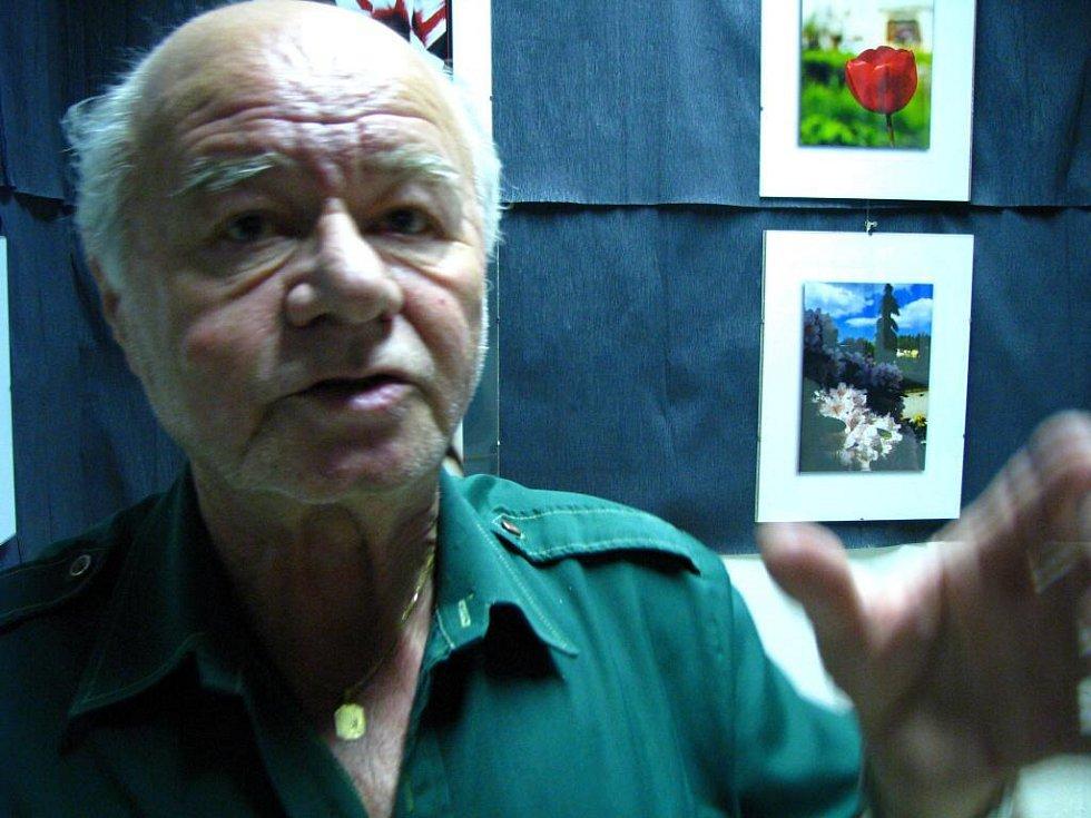 Ladislav Jiránek, vedoucí fotoklubu ve Stříbře.