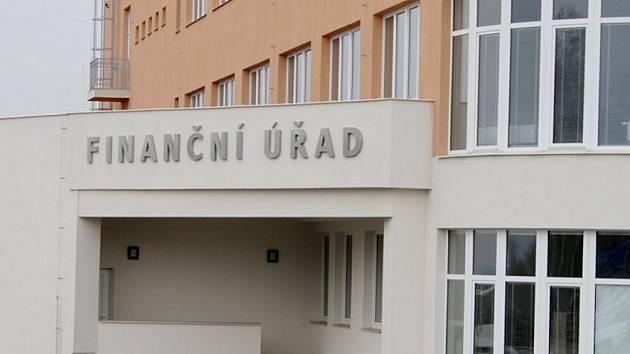Finanční úřady budou otevřeny pro daňové poplatníky ještě v pondělí