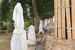 Oprava hřbitovní zdi ve Stříbře.