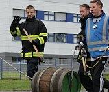 Pivní sezónu zahájili dokoulením sudu, protli i tisící kilometr