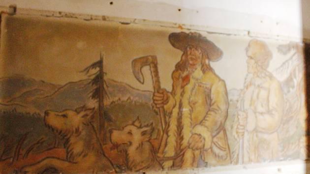 Bourací práce odhalily fresky Chodů a pohraničníků.