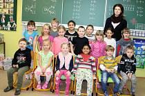 Žáci Základní školy  ve Starém Sedlišti s třídní učitelkou  Radkou Novosadovou