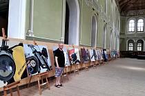 Výstava obrazů Václava Siky.
